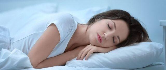Θέσεις ύπνου όταν πονάει η μέση