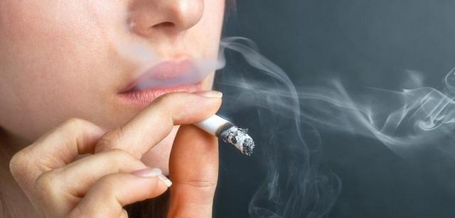 Οι καπνιστές κάτω των 50 έχουν 8πλάσιο κίνδυνο εμφράγματος